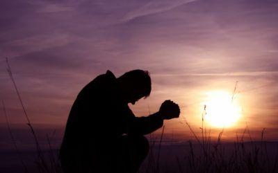 Jesús ora y sana